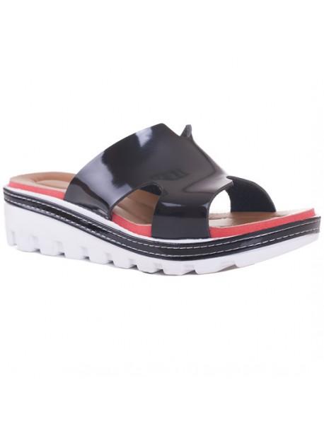 Papuci negri lac cu talpa zimtata