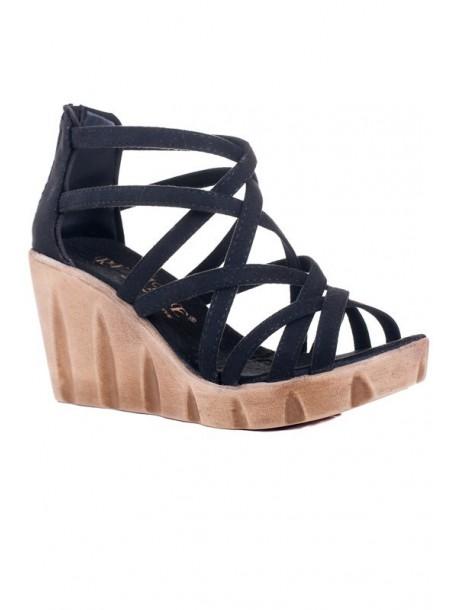Sandale negre cu talpa groasa
