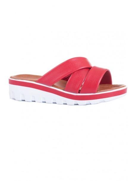 Papuci lac in culoarea rosie pe platforma