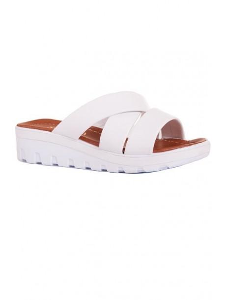 Papuci albi pe platforma