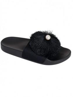 Papuci negri cu perla
