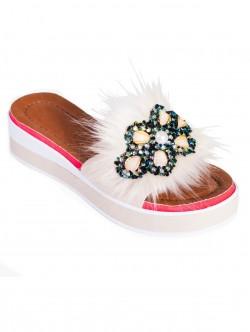 Papuci de damă moderni, culoare bej