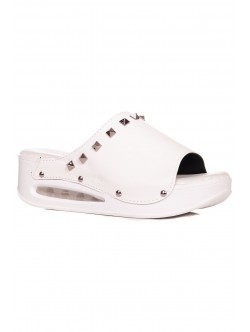 Papuci ortopedici în alb