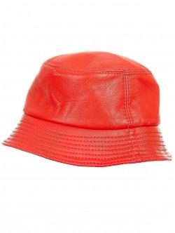 Caciula bărbătească în roșu