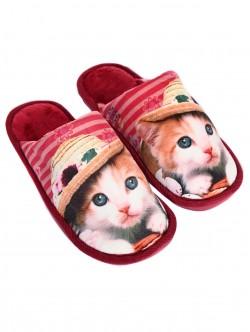 Papuci roșii cu pisoi